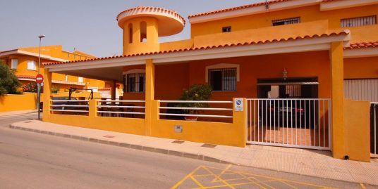229. NEW CORNER VILLA 3BEDS 2BATHS – 128M2 BUILT – 215M2 PLOT – SEA VIEWS FROM 70M2 SOLARIUM – CENTER – 8´FROM BEACH – ISLA PLANA