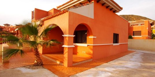 270. GREAT VILLA CORNER 3BED-2BATH – BIG PLOT FOR BUILT A POOL 320M2 – SEA VIEWS – COMMUNAL POOL – ISLA PLANA