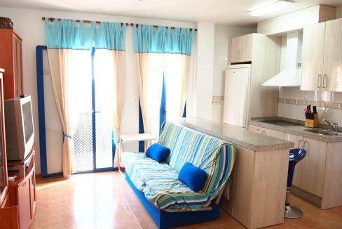 GROUND FLOOR OF 2 BEDROOMS GARAGE AND STORE. CENTER ISLA PLANA