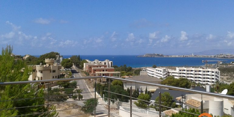 STUNNING 6 BEDROOMS VILLA WITH SEA VIEWS FOR SALE 1