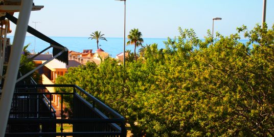 1308. HOME 2B 2BATH WITH COMMUNAL POOL AND 2 MINS. FROM THE BEACH