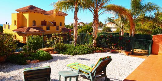1214.  VENDIDA  –  BEAUTIFUL HOUSE 2 BEDROOMS GROUND FLOOR WITH A BIG GARDEN AND LITTLE EXTRA WOOD HOUSE