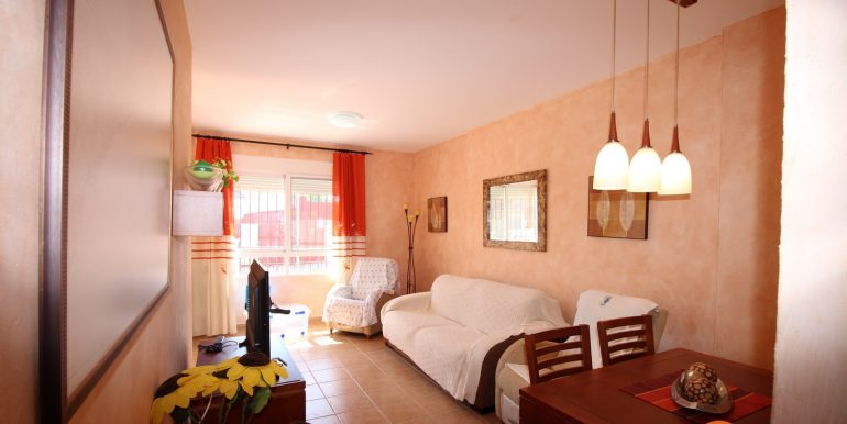 TOWNHOUSE WITH 3 BEDROOMS ISLA PLANA CENTER FOR RENT 20