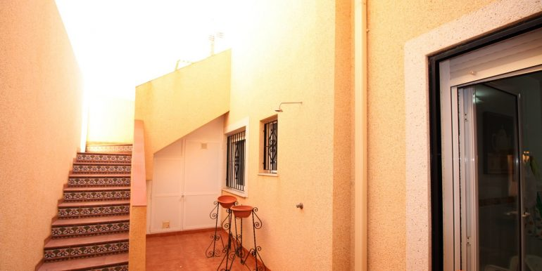 TOWNHOUSE WITH 3 BEDROOMS ISLA PLANA CENTER FOR RENT 21