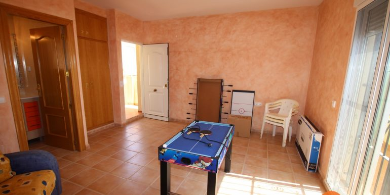 TOWNHOUSE WITH 3 BEDROOMS ISLA PLANA CENTER FOR RENT 26